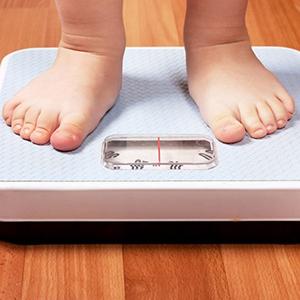 L'uso eccessivo degli antibiotici causa l'obesità precoce